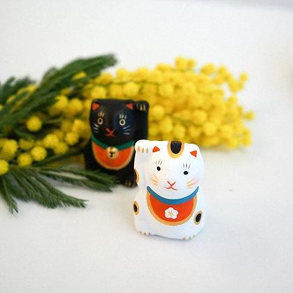 陶土招福白貓擺件(附吉簽) - 中川政七商店