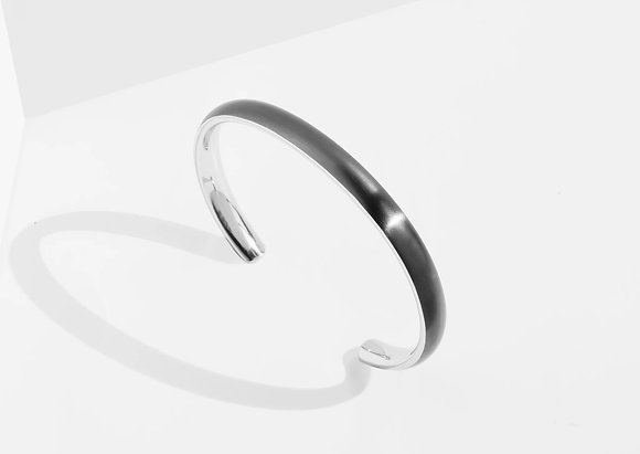 MADEGREY - Bold Cuff Bracelet | Grey