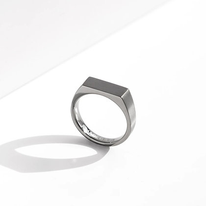 MADEGREY - Dual Texture Signet Ring | Grey