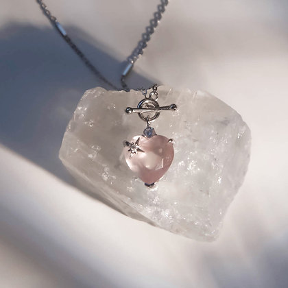 Love By The Moon - ROSE QUARTZ TOGGLE SILVER NECKLACE - HEART
