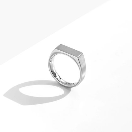 MADEGREY - Dual Texture Signet Ring | Silver
