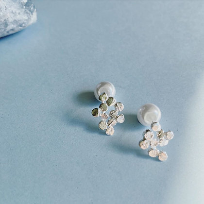 ShAnho - Bubble Earrings with Resin Pearl Backing