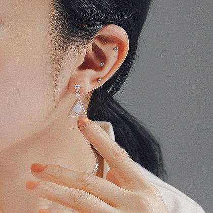 AGARIC GARDEN - 三角形微聖物耳環
