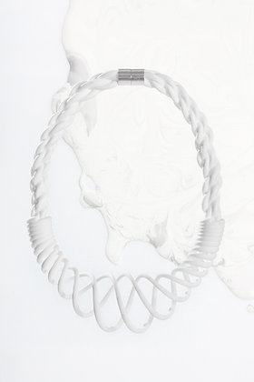 ZO-EE - WHITE UNROPE CHUNKY NECKLACE