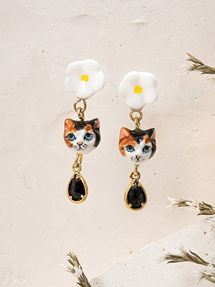 Nach - CAT & FLOWER WITH PENDANT EARRINGS