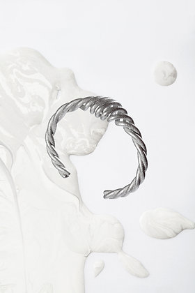ZO-EE - SILVER WIRE BANGLE