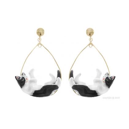 Nach - Black&White Playing Cat hoop earrings