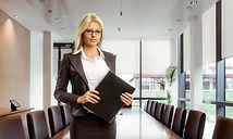 Руководитель обучения и развития персонала с навыками тренера
