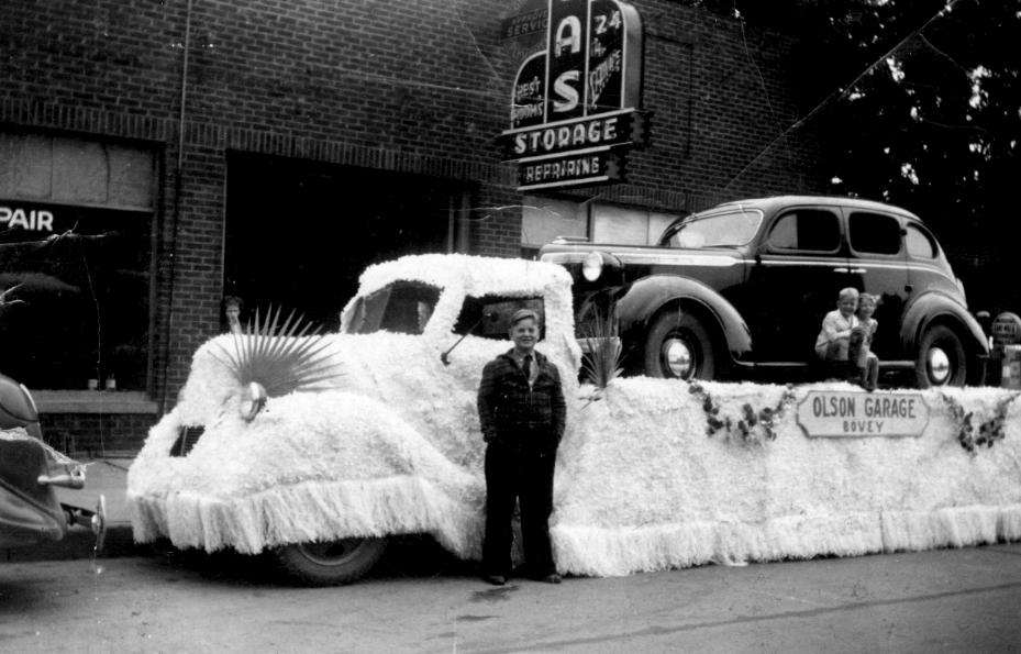 Olson Garage Float 1939