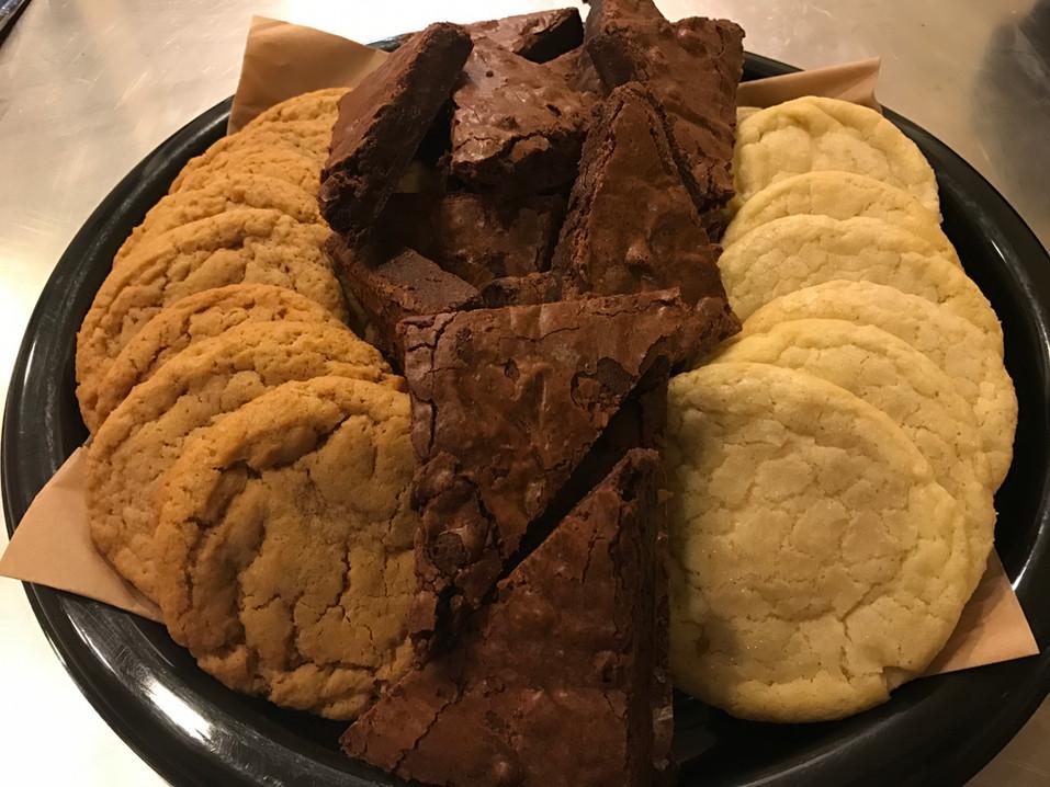 Cookie & Brownie Platter.JPG