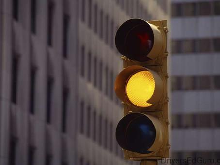 Luz amarela para Bancos Digitais e CDB/LCI/LCA de Bancos Pequenos. O  FGC está sob ameaça!