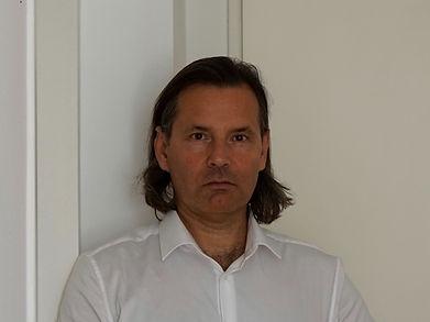 Stàn Bert Singer Profilfoto_edited.jpg