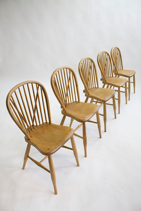 Joe Mellows Penwin Windsor Chair 5.jpg