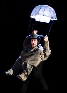 spanish-puppets-parachute-aug20-20cm.jpg