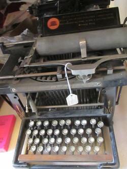 Machine à écrire - collection du MRA