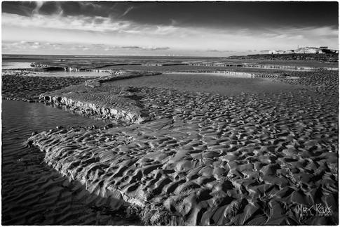 Low tide at Hilbre Island.jpg