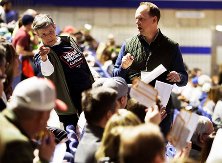 Chaos in Iowa is a boon to Trump