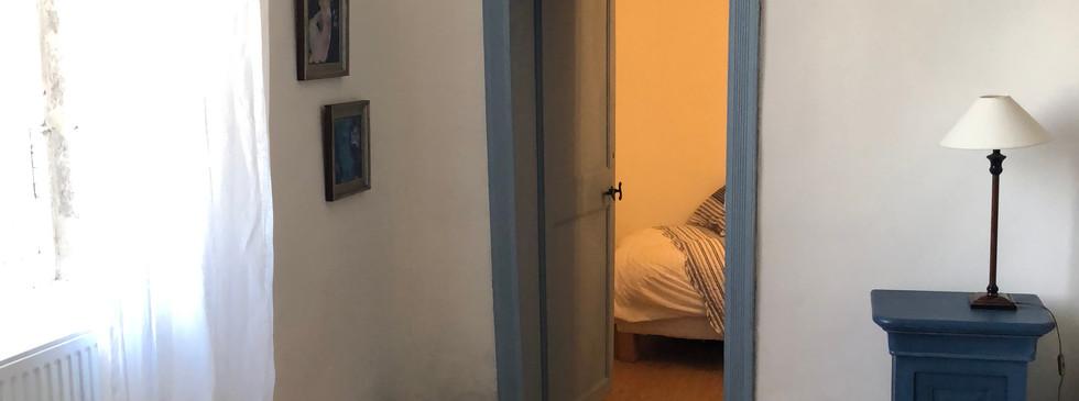 vue sur petite chambre.JPG