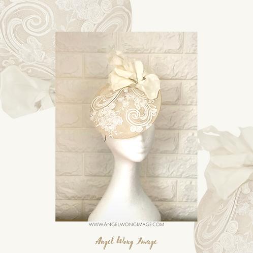 Bridal cream fascinator, cocktail hat