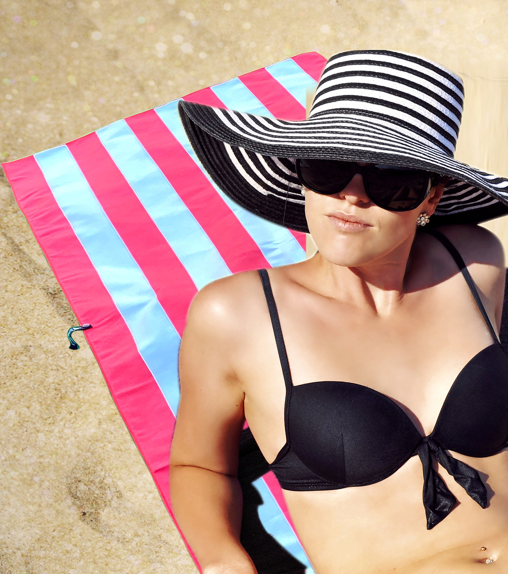 BEACH TOWEL - PINK WHITE