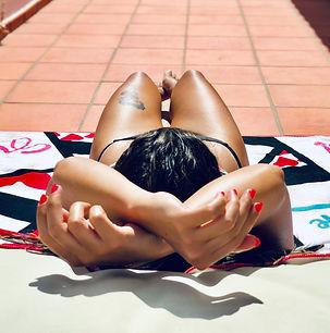 photo-of-woman-sun-bathing-2714728_edite