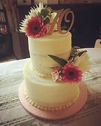 Pretty Buttercream cake with flowers