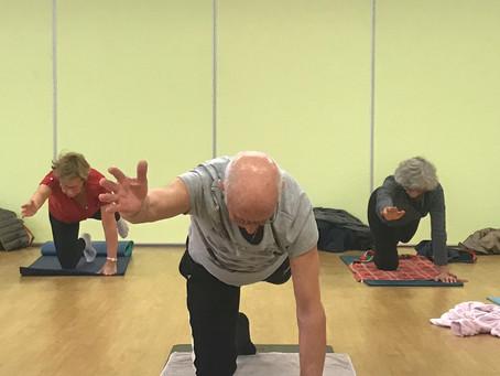 L'envol de la grue :  le lundi matin un peu de hatha yoga traditionnel dans le pilates débutant 😁