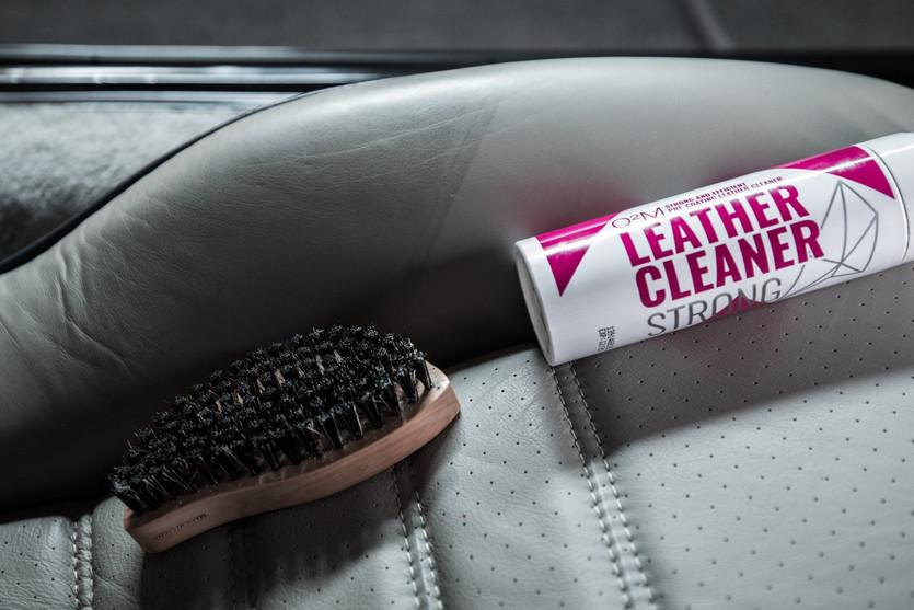 Gyeon Leather C;leaner