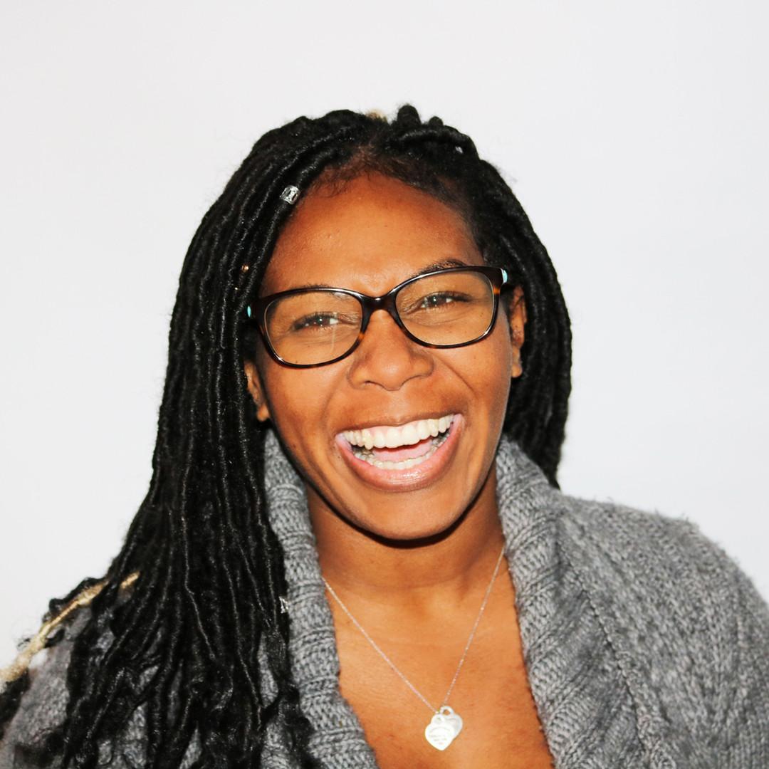 woman-wearing-eyeglasses-773371.jpg