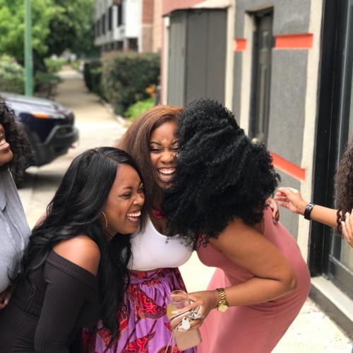 five-women-laughing-936048.jpg