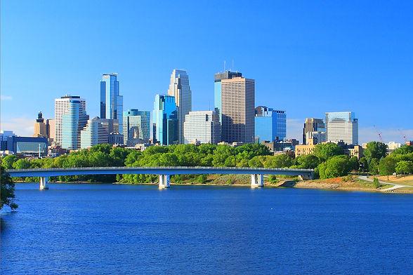 Minneapolis_Skyline_Mississippi_River_CR