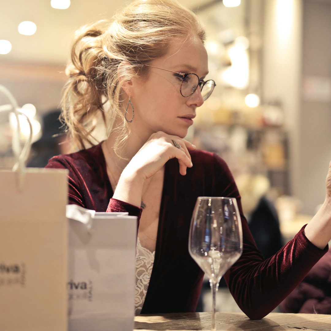 photo-of-woman-holding-her-phone-994848.