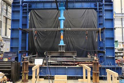 2021.01 鋼矢板の4点曲げ実験1.JPG