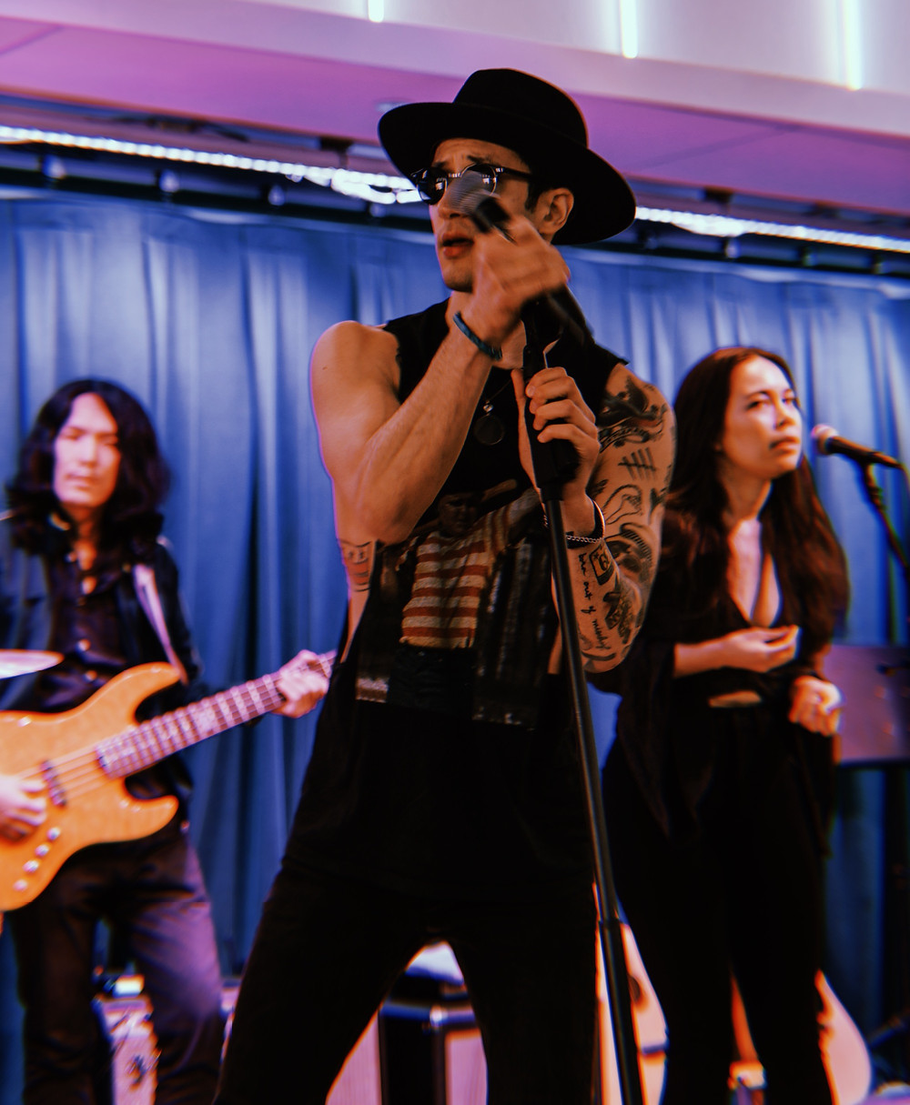 Katie Lee Hill sings with Andy Suzuki & The Method at Pandora Media