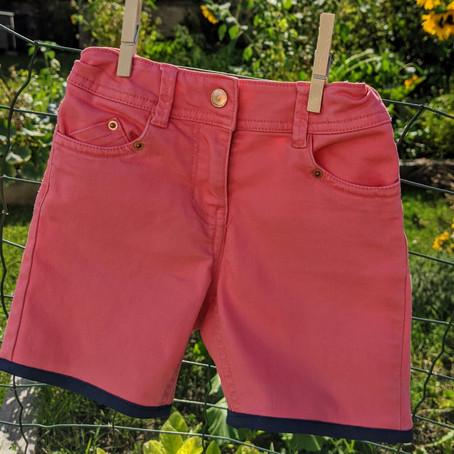 1 pantalon = 1 short