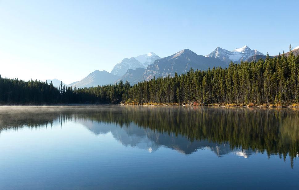 Herbert Lake, BC, Canada