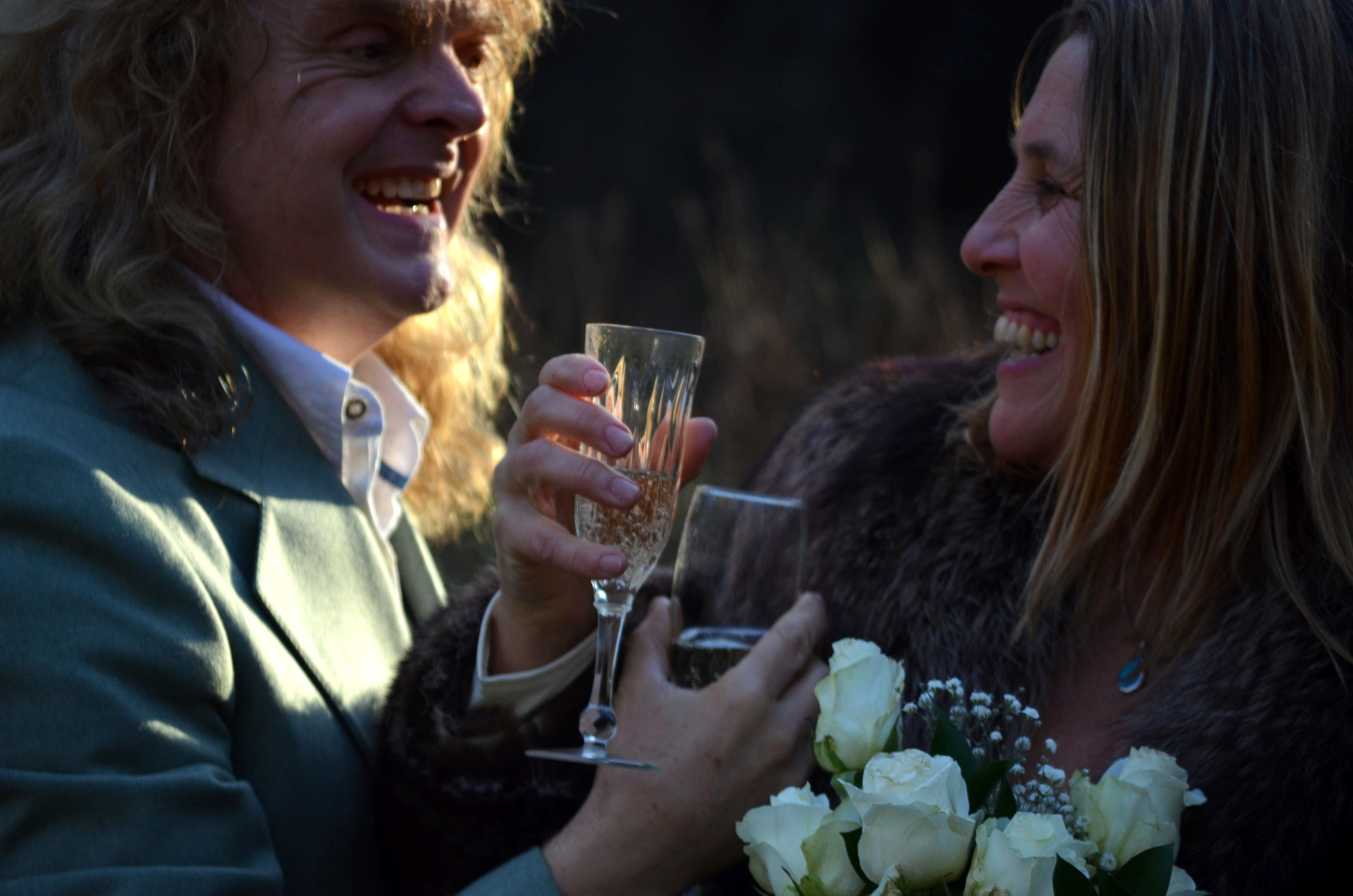 Carl Dixon marries Helen Parker