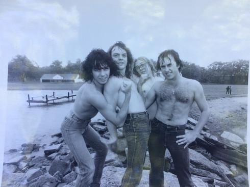 Coney Hatch 1983