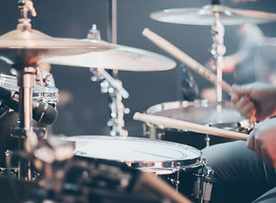 close-up-photo-of-drum-set-995301.jpg