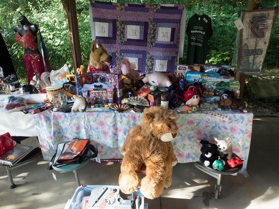kids auction table