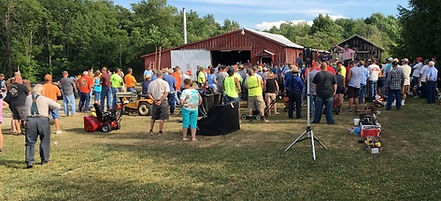 live Farm auction crowd in New York