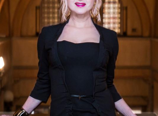 Cyndi Lauper's Album Charts Number 4..