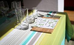 La table est dressée pour accueilir un atelier et une dégustation de plats sains et savoureux