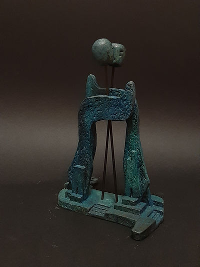 ZINA-O Rencontre II Bronze N°2.8  - Sculpture bronze - Cadeau bronze - art – luxe – Galerie – Pontrieux - Zina-o - VAV - YOD - lettres hébraïque - hébreu - juif - israélite -  voyage -