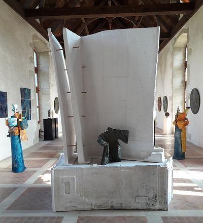Sculpture bronze - Cadeau bronze - art – luxe – Galerie – Pontrieux - Zina-o - Stèle - homme - livre - asie - théâtre - décor théâtre - Quêteur d'Absolu - asie - japon - voyage -