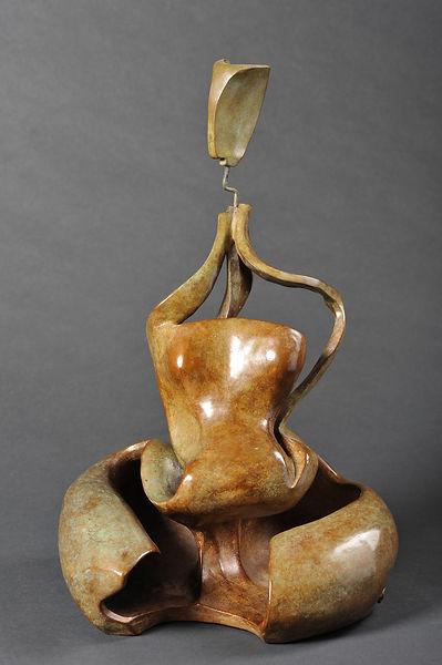 Sculpture bronze - Cadeau bronze - art – luxe – Galerie – Pontrieux - Zina-o - Femme cathédrale - abstarait - femme - maternité - méditation -