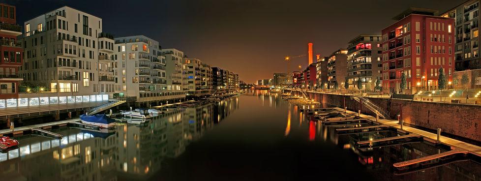 Westhafen-bei-Nacht.jpg