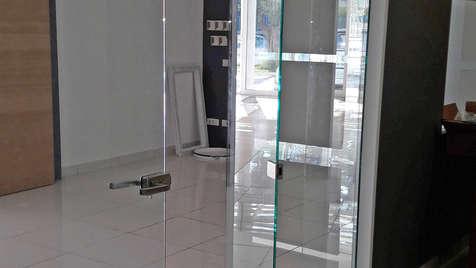 Divisorio interno pieghevole in vetro