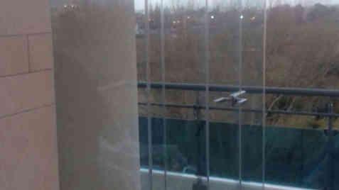 Angolo a giorno su vetrate Panoramik