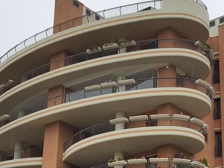 Per installare le vetrate tutto vetro servono dei permessi?
